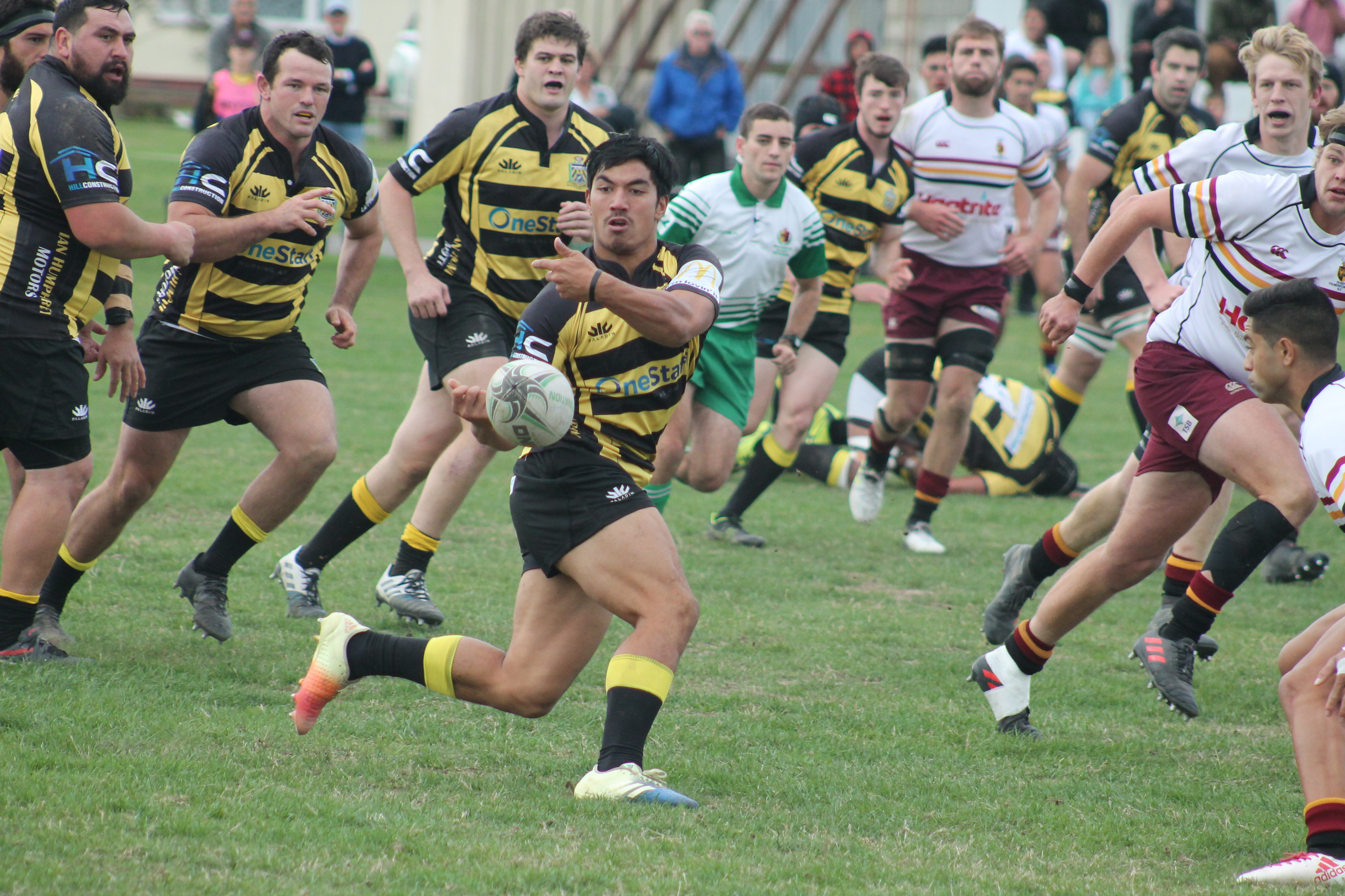 Yellows keep Jubilee Cup race open